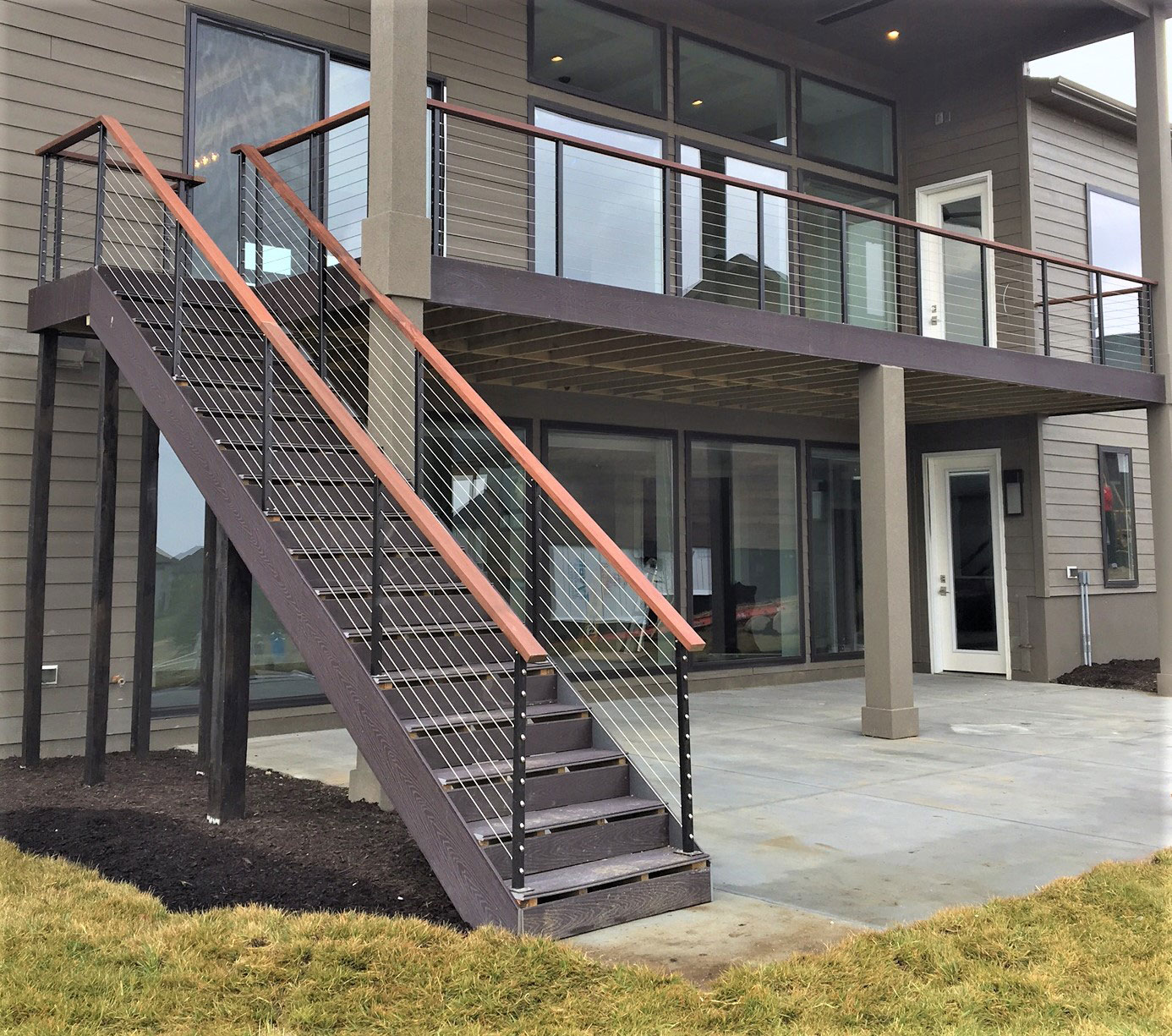 Modern Deck Railings | Stainless Steel Cable Deck Railings